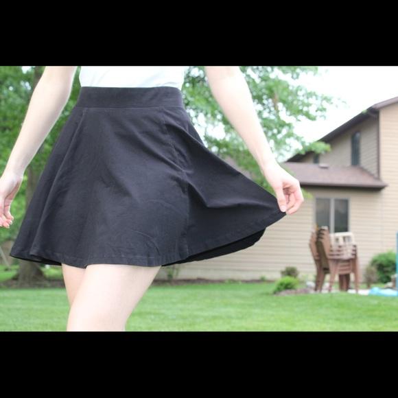 H&M Dresses & Skirts - Black Skater Skirt